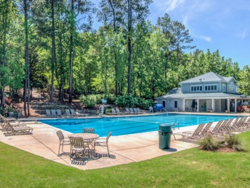 2070-amenities-Lakeside-Pool4-960x480-0005